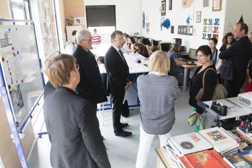 En visite dans les salles d'arts plastiques du lycée CHARLES DE GAULLE