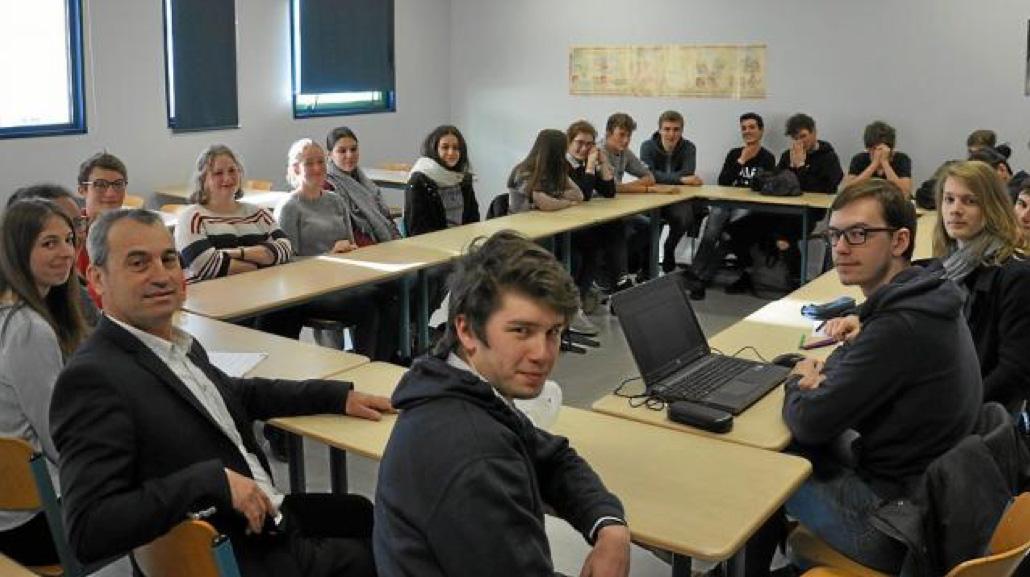 Un forum sur les métiers et formations pour les lycéens