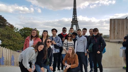 les etudiants au Trocadéro