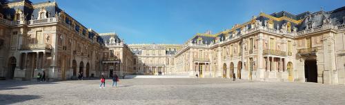 Le Louvre1