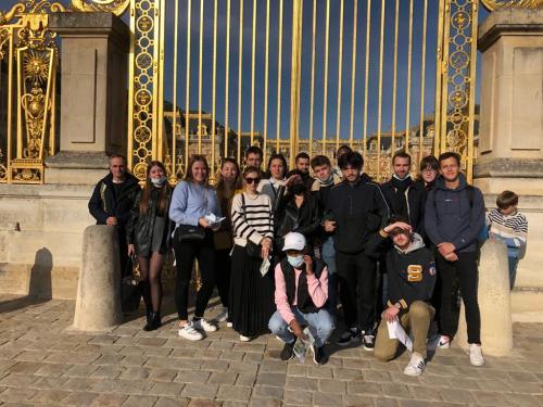 Photo de groupe au Louvre