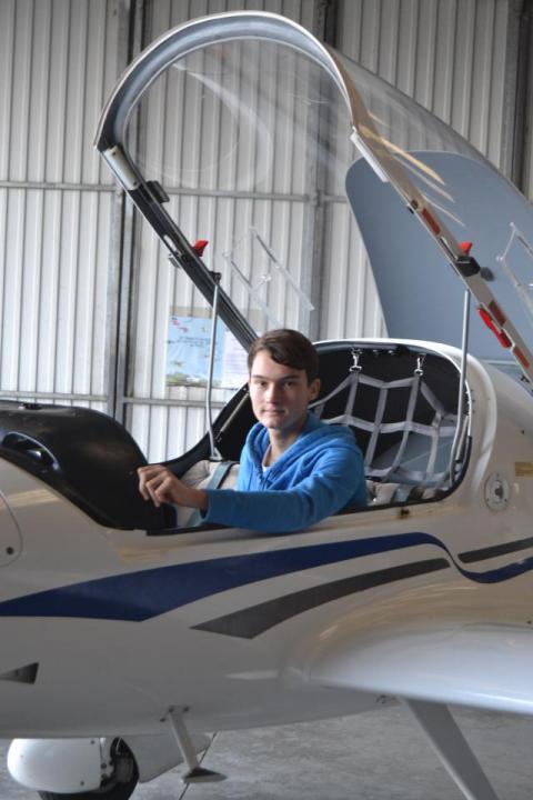 L'Aéroclub de Vannes-Monterblanc attire les jeunes !