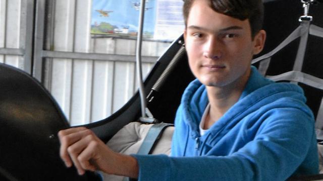 À 17 ans, il a deux diplômes aéronautiques